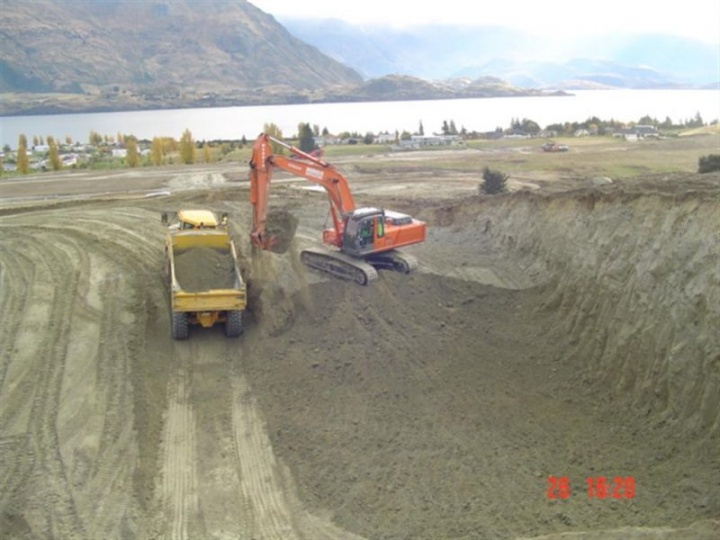 Earthworks on Stage 2